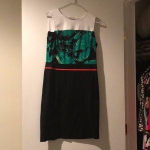 Vince Camuto Dress Size 4 Banana Leaf Top